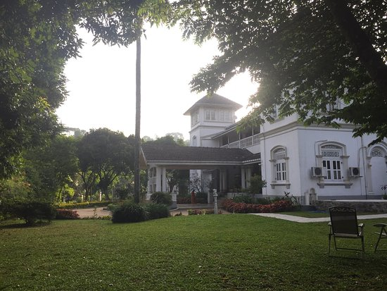 Manor House Kandy: Wonderful, historic spot outside the main huddle of Kandy.