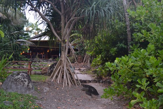 Eco Village Resort Mission Beach: View of the restaurant