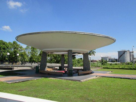 Hoover Memorial Garden