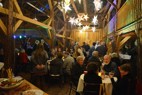 Highland Lake Inn Bed and Breakfast: Party in full swing