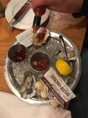 ‪‪Hank's Oyster Bar‬: photo0.jpg‬