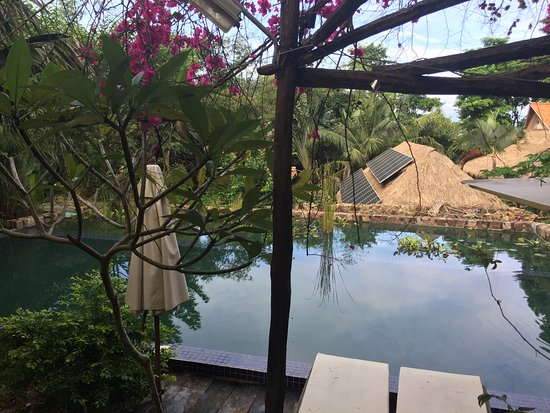 Le Bout du Monde - Khmer Lodge: The Pool