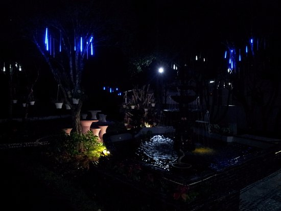 Night view of the fountain - Picture of Genting View Resort