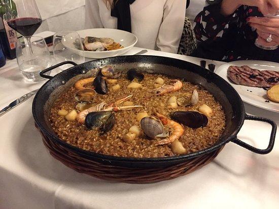 El Gran Cafe: Paella for 2 part of the piano night menu