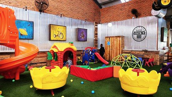 Pallet Jacku0027s Restaurant: Kids Indoor Play Area