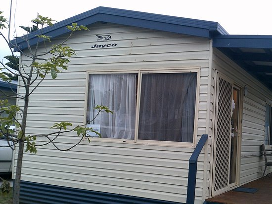 Henty Bay Beachfront Holiday Park: Cute little cabin