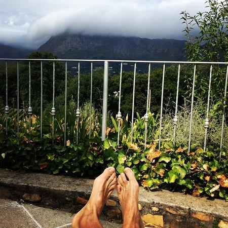Le Franschhoek Hotel & Spa: Bild från poolområdet