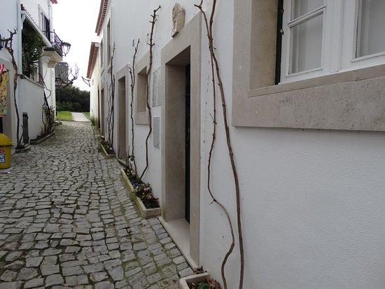 Ourem, Portekiz: Uma rua junto à Gijinha.