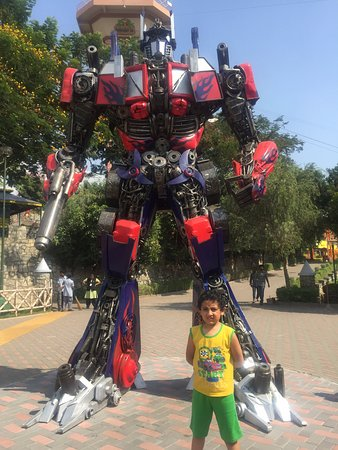 Wonderla Amusement Park : Transformer - optimus prime pilot model