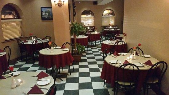 Ossett, UK: Nikos Greek and Mediterranean Restaurant