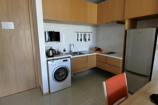 Eastin Tan Chiang Mai: Small Kitchen And Even A Washing Machine Part 90