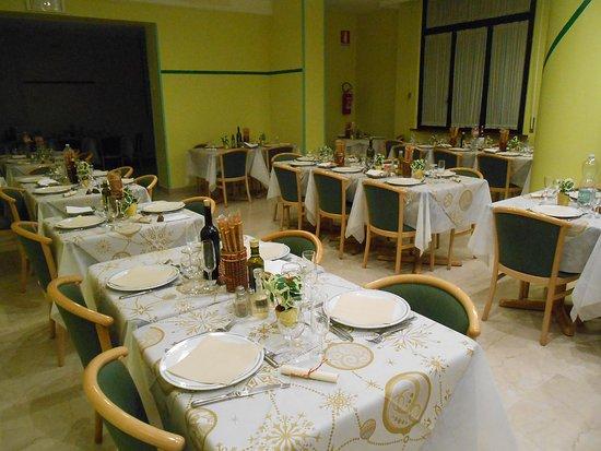 Albergo Martini: la tavolata per il cenone del 31 dicembre