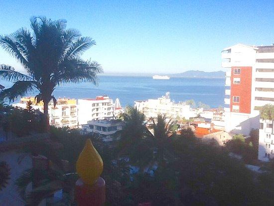 Casa Anita y Corona del Mar: Cruise ship arriving from 12 balcony