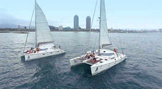 Blue Magic Cat: 35 passengers in 2 catamarans...
