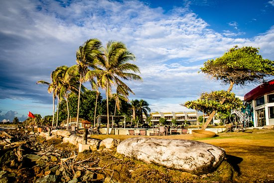 Nitro City Panama Action Sports Resort: Atardecer en la playa