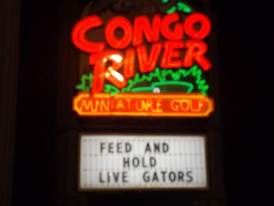 Congo River Golf : outside signage