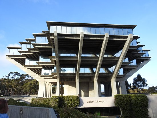 University of California San Diego: Geisel Library