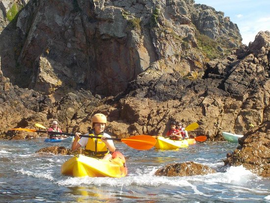 Saint Saviour, UK: Kayaking at Petit Bot...Head to our website for more info - www.outdoorguernsey.co.uk