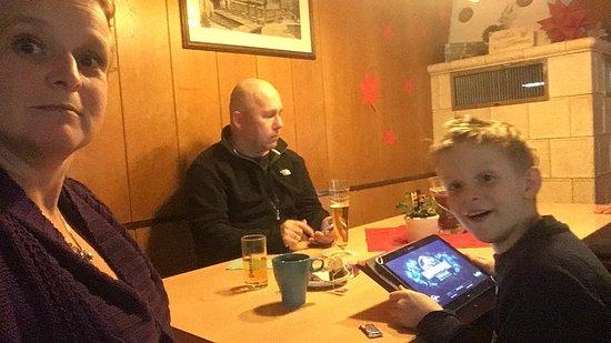 Oberwolfach, Alemania: Lekker aan de grote tafel