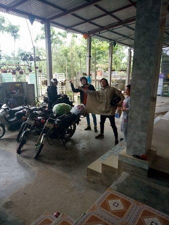 Quang Binh Province, Vietnam : Class cooking!!!