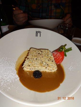 Strombeek-Bever, Belgium: le desset : nougat glacé sauce péruvienne
