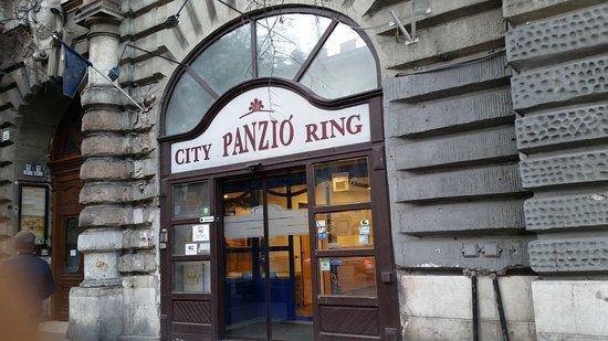 City Hotel Ring Photo