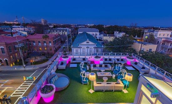 Eleve Rooftop Restaurant & Lounge照片