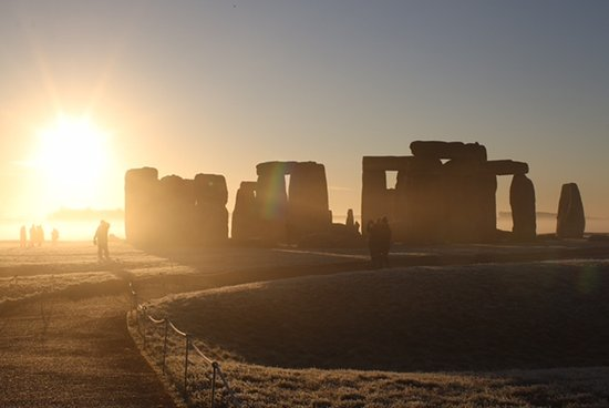 Salisbury & Stonehenge Guided Tours: Inner Circle Sunrise