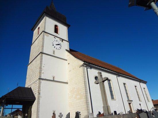 Eglise St Jean-Baptiste de Montfaucon (Jura) extérieur