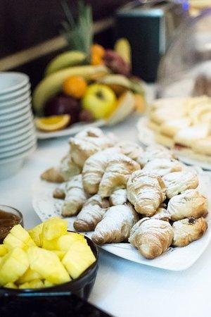 Old Town Hotel: Buffet breakfast
