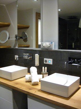 Superior Fesselnd Puradies: Badezimmer Im Zimmer 220 (Zahnputzbecher Fehlen) Photo Gallery