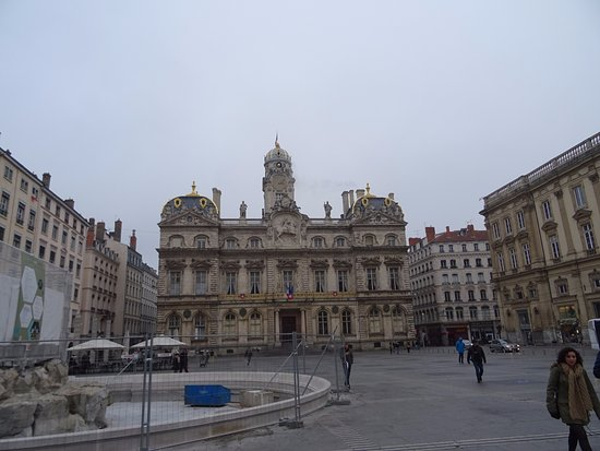 h tel de ville lyon picture of hotel de ville lyon. Black Bedroom Furniture Sets. Home Design Ideas