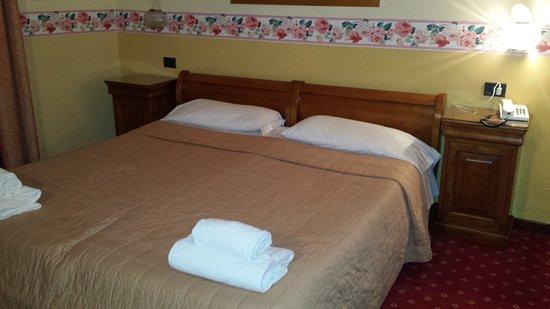 Select Hotel: 20170103_225933_large.jpg