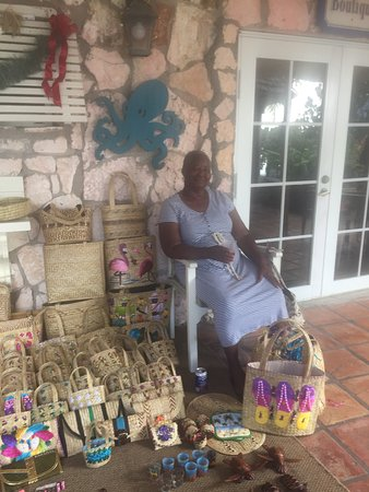 Fernandez Bay Village: Louise and her straw baskets a must souvenir