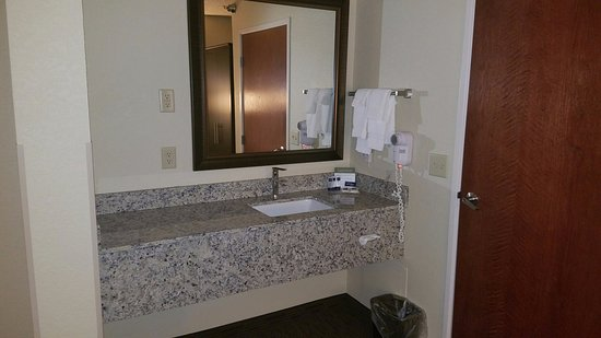 Mounds View, MN: Vanity