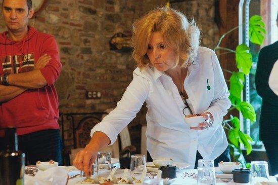 Bigues i Riells, Spania: Preparando la degustacion