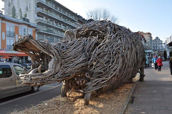 Sculpture en bois flott d barcad re d 39 evian photo de for Bois flotte suisse