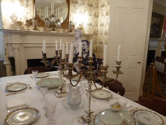 Mary Todd Lincoln House: dining area