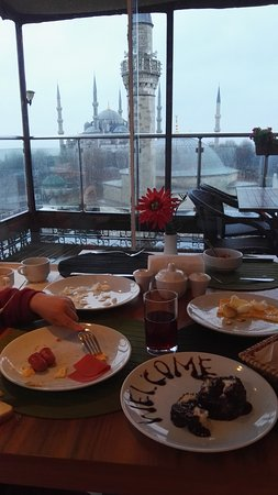 Ambassador Hotel: petit déjeuner en terrasse