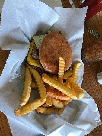 Fayetteville, TN: Delicious burger