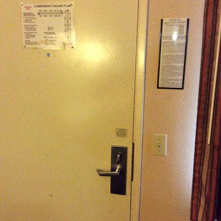 Premier Inns Not secured door/window locks & Not secured door/window locks - Picture of Premier Inns Concord ...