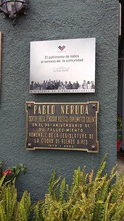 Valparaiso's Gate (La Puerta de Valparaiso): Casa de Pablo Neruda