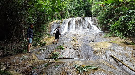 100 Waterfalls