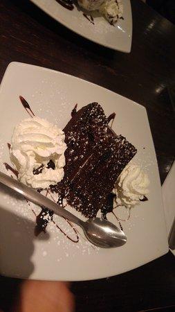 Piazza: chocolate cake