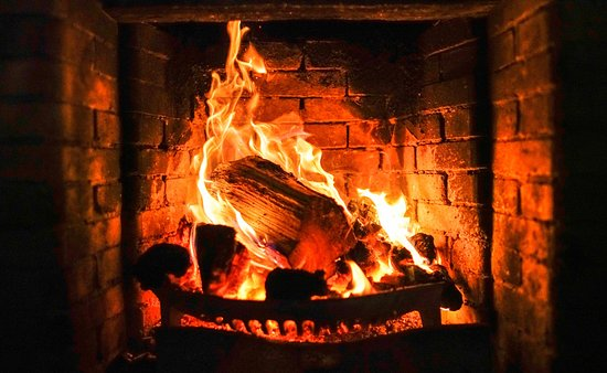 Newlands Valley, UK: Open Fires at The Swinside Inn