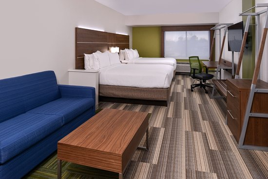 Holiday Inn Express & Suites Raleigh NE - Medical Ctr Area: Double Queen Queen Suite