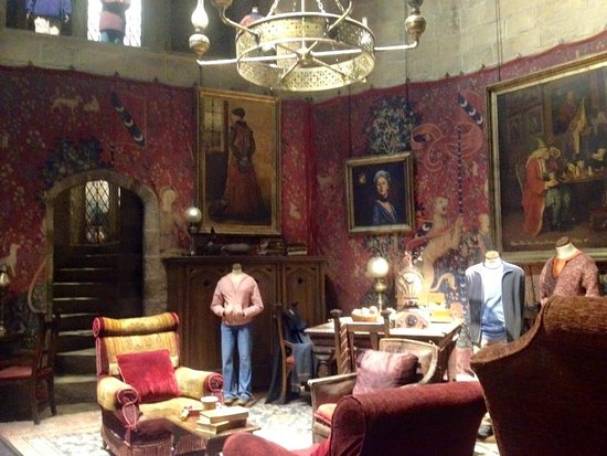The Harry Potter London Tour By Discovery Tours: Common Room