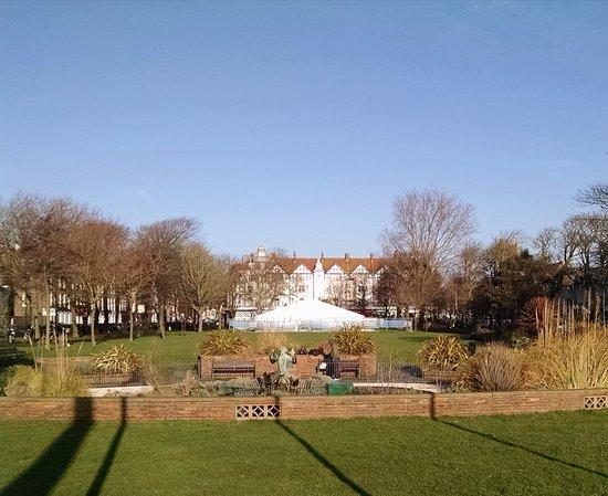 Steyne Gardens