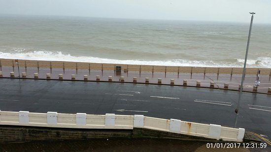 Alexanders Bed & Breakfast Hastings: Stormy sea view from Room 3
