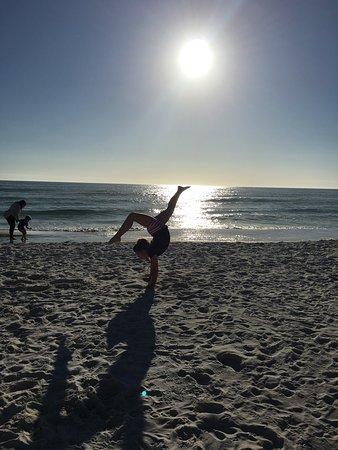 Beachcomber By The Sea : photo1.jpg